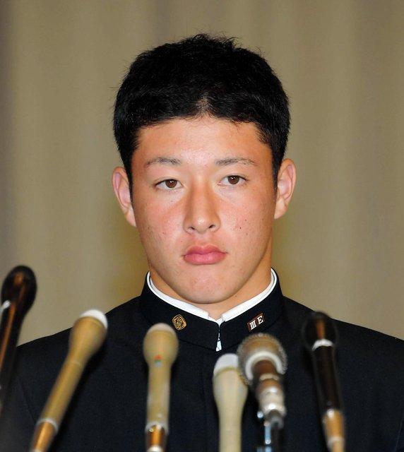 <金足農・吉田投手> 希望球団は !! .........「プロの世界に入れるのであればチームは関係ない」・・・アレ?