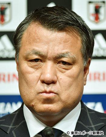 <ハリル氏>....問題は、田嶋会長の発言を問題視してマス......