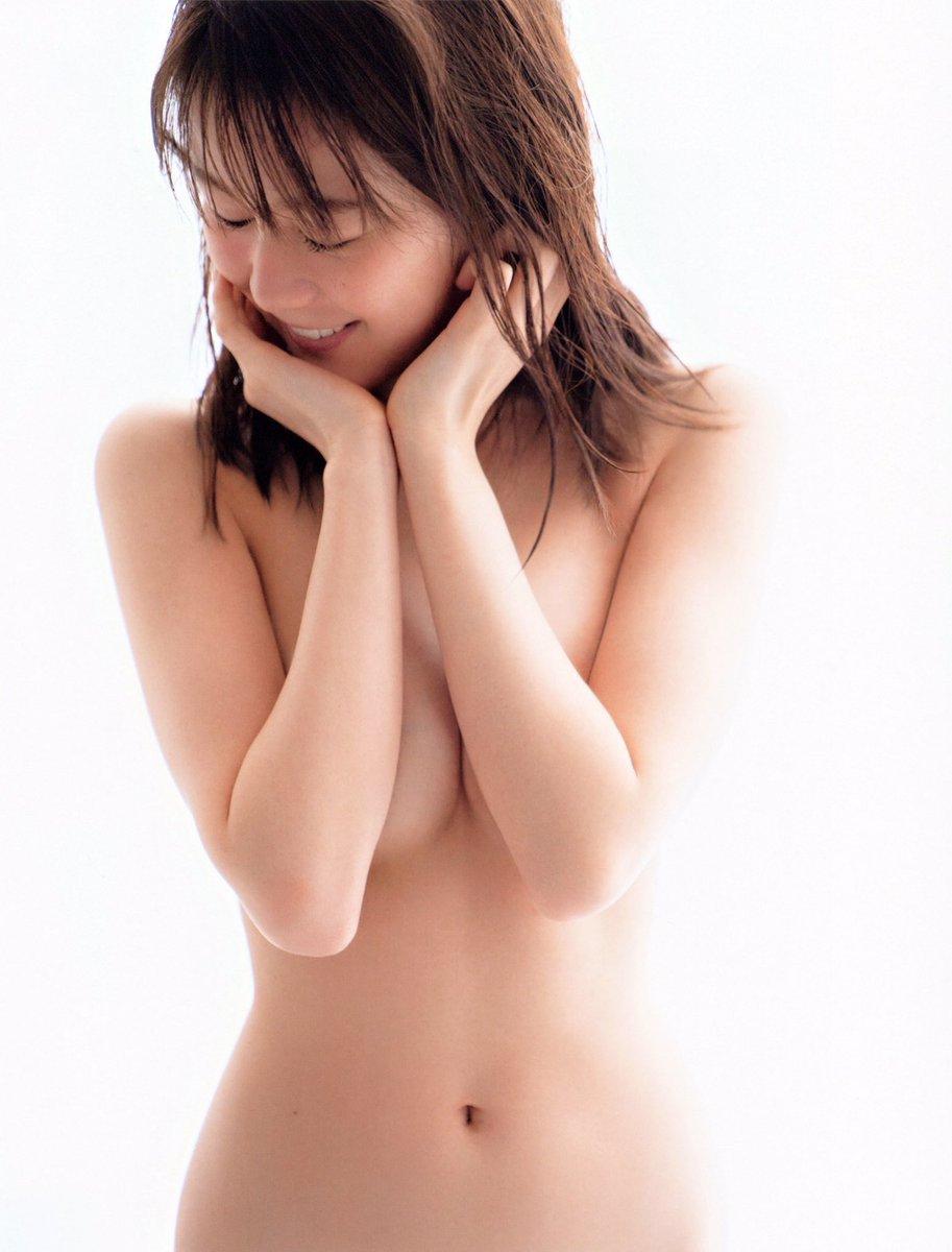 <生田絵梨花・写真集>フルヌードだった..........................