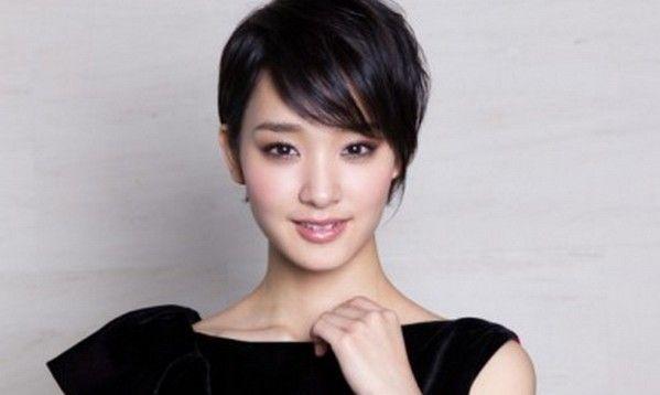 <女優・剛力彩>インスタグラムで「髪切りたい!!」・・・・・・
