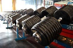 800px-Heavy_Dumbbells_200_pound