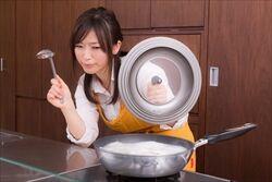 家族に三食作り続けるのつらい…自粛生活に主婦が悲鳴