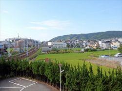 ヨーロッパには「街」と「郊外」が明瞭なのに、なぜ日本にはないのか?