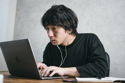 Webプログラマーって独学じゃなれないんか?日本工学院とか行くべき?