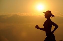 ほぼ毎日、5.6km走っているのに全然お腹が凹まないわ