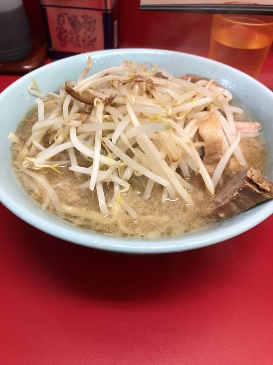 【画像】初めて二郎ラーメン食ってきんだがこの量マジ??