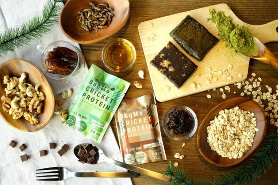 【画像】1本に50匹、コオロギ使った栄養バーを京の昆虫ベンチャー開発するwwww