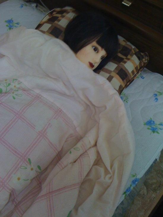 【画像】彼女の寝顔こっそり撮ったった結果www