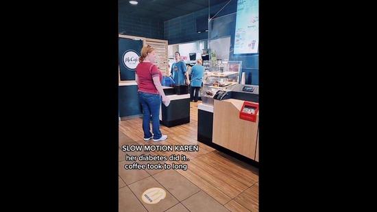 マクドナルドで頼んだコーヒーが出てこないと癇癪を起こした女性、その理解しがたい言い訳・・・