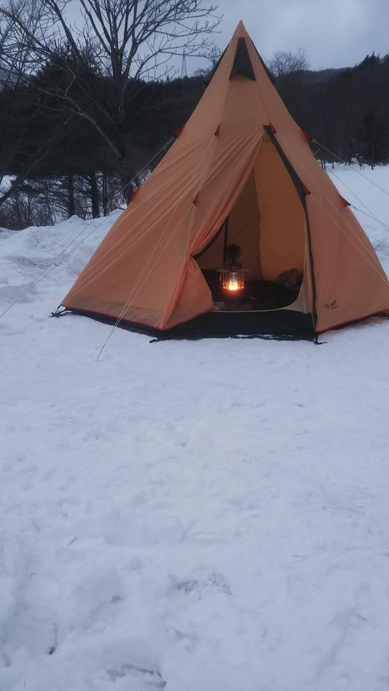 【画像】お前ら「キャンプは冬にやるべき冬が本番」初心者俺「へーじゃあやってみようかな」
