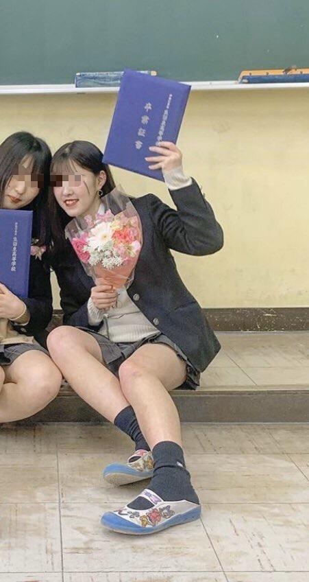 【画像】女子高生の上履き、高すぎるwwwwwwwwww