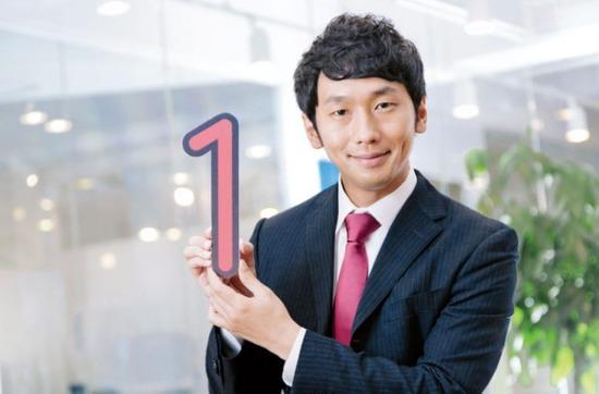 「日本一顔が売れている」フリー素材のモデルを直撃。その衝撃の収入がwwwww