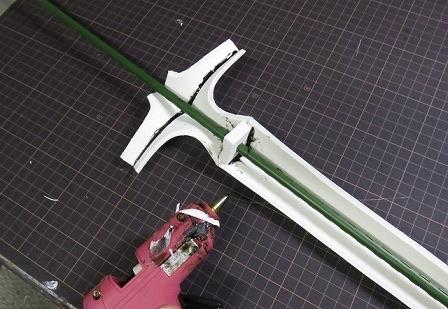 【画像】コスプレ用の剣の自作方法が思ってたのと違ってワロタwwwwwwwww
