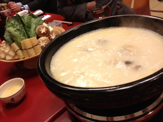 【画像】1万円の水炊きがコチラwwwwwwww
