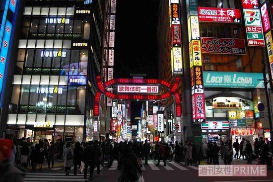 """変わりゆく東京・歌舞伎町、目標を持てないホストに""""もやしに1000万円""""払う女性客・・・"""