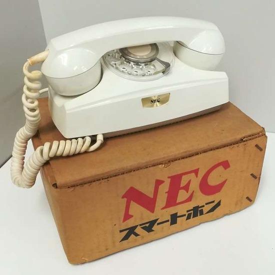 「NECのスマホ入荷しました」 → その内容がヤバすぎる・・・(画像あり)