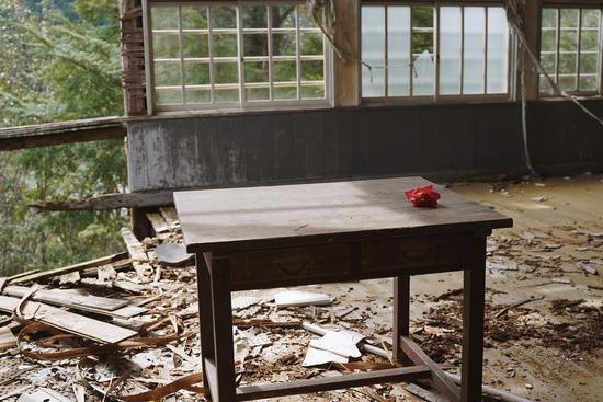 ド田舎の廃校で写真撮ってきたwww
