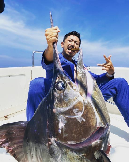 【画像】ヤバイ釣り人を発見してしまったんだがwwwwwwww
