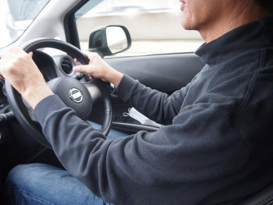 """あおり運転撃退エピソード「スマホを後ろの車に向けて""""動画撮ってるぞ!""""とアピール」"""