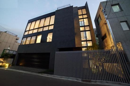 【画像】東京で13億円の新築豪邸がSUMOで売り出し中wwwwwwwwww