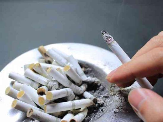 """【これマジ?】""""タバコ休憩""""に不満でヤバいことが・・・"""
