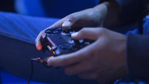 nieuwe-versie-playstation-4-nog-oktober-aangekondigd