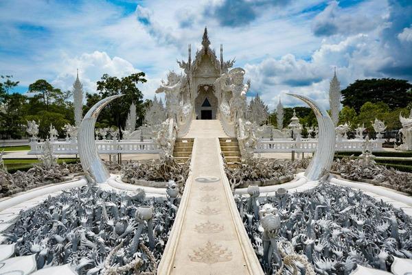 【怖い】「▽美しい…」→「;゚Д゚ぎゃあああ」のギャップが凄すぎる寺院が話題にwww(画像あり)