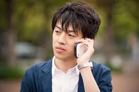 ワイ大学生、マッマへに「お金がないんだけど…」電話をパッパに受けられた結果www