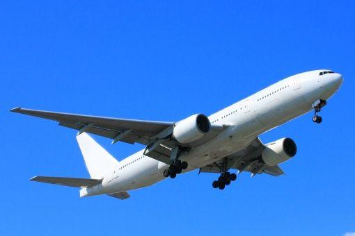 【これは酷い】イギリス人家族、18万円出して飛行機に乗るもトンデモない仕打ちを受ける(※画像あり)