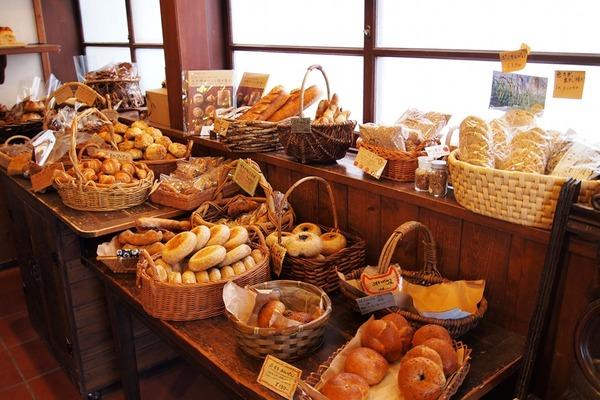 フランスのパン屋さん、「一週間一度も休みを取らなかった罪」で罰金刑に・・・