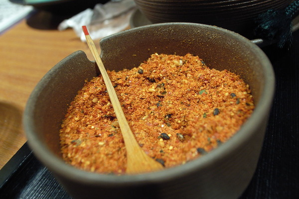 1200px-Shichimi_tougarashi_by_june29