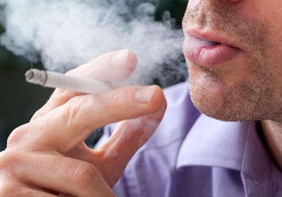 【衝撃】男性喫煙率、ピークの13まで減少してしまうwww