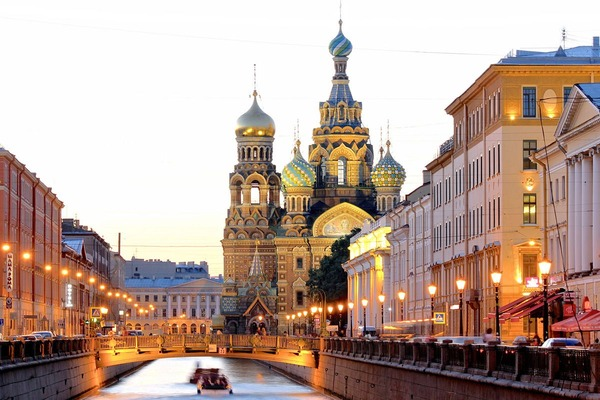001-St-Petersburg-Guide-Vogueint-Credit-Getty-Images