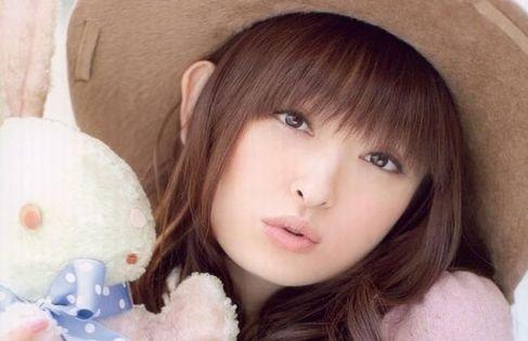 【悲報】声優の田村ゆかりさん(42)、広告に煽られてしまう(画像あり)