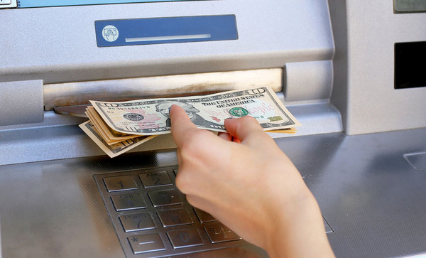 first-atm-jackpotting-attacks-hit-us-showcase_image-9-a-10610