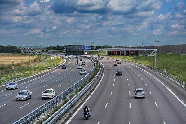 151123-Autobahn-Garching-Featured