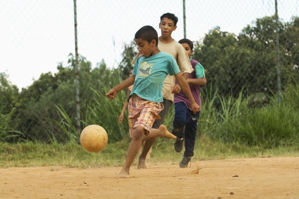 crianca-e-futebol
