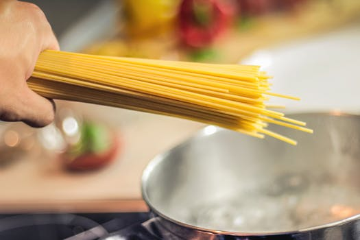 spaghetti-pasta-noodles-cooking-40747