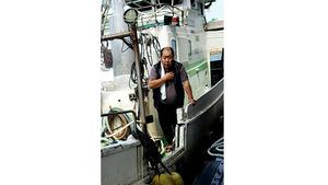 【八重山日報】日本漁船「完全排除」へ 中国船 2隻で挟み撃ち常態化 尖閣周辺