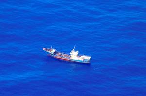 【社会】小笠原周辺に中国漁船?113隻確認 サンゴ密漁目的か