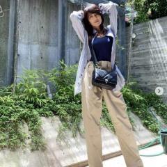 工藤静香、オーバーサイズの私服ショットが大不評「モデル気取り?」