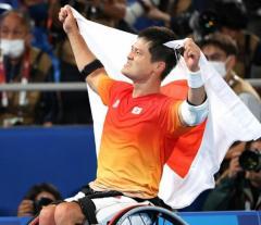 国枝慎吾が金メダル 2大会ぶり3度目の王座返り咲きに涙「本当に信じられない」…車いすテニス