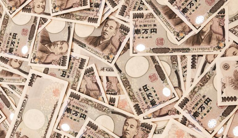 【小学教諭(59)】「4回会ったら30万円払う」と女子高生にわいせつ行為、3回目の後に連絡絶つ 複数女性に同様行為、動画撮影も  [すらいむ★]