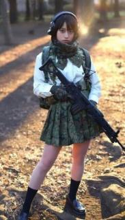 「恐ろしく美しい元自衛官」かざり、防衛省・自衛隊全面協力のYouTubeチャンネルが人気上昇中
