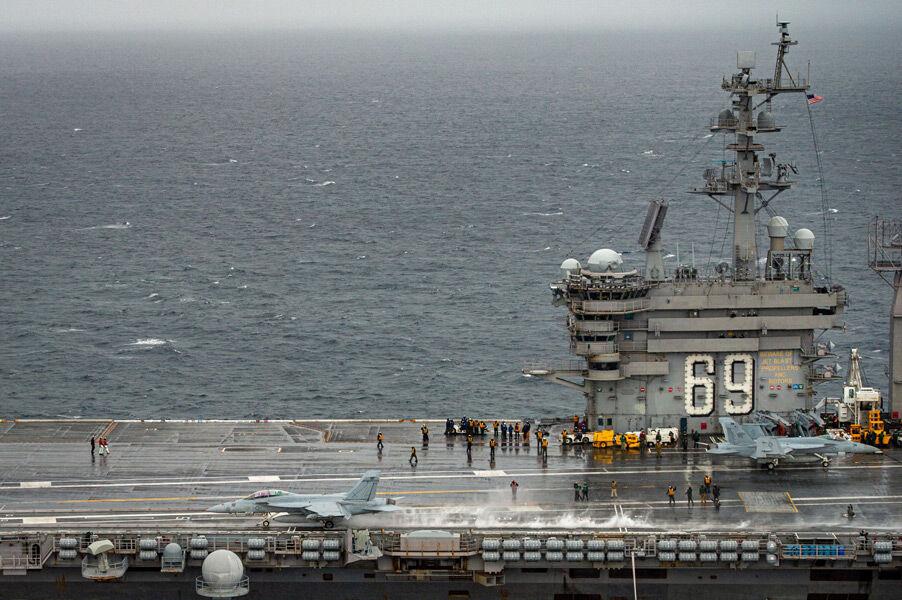 空母アイゼンハワーから発艦するF/A-18F(Image:U.S.Navy)