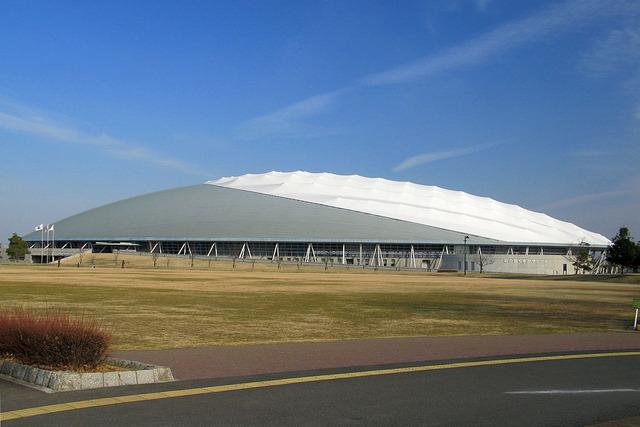 1024px-Kumagaya_Sainokuni-kumagaya_Dome_1