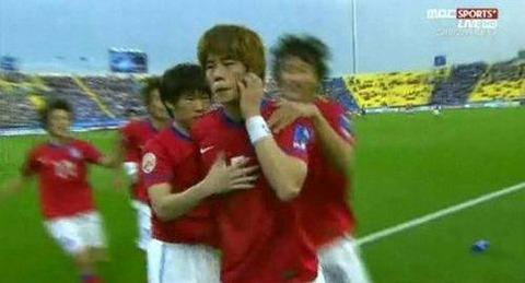 【旭日旗問題】そもそも発端は、韓国のキ・ソンヨン選手がグラウンドで猿真似し日本人を侮蔑したことが始まり