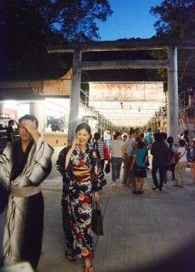 献灯彩る「六月灯」/名瀬の高千穂神社