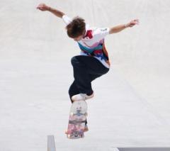堀米雄斗、スケートボード男子ストリート金メダル 初代王者に