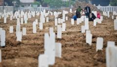 インドネシア、1日のコロナ死者2069人 過去最多